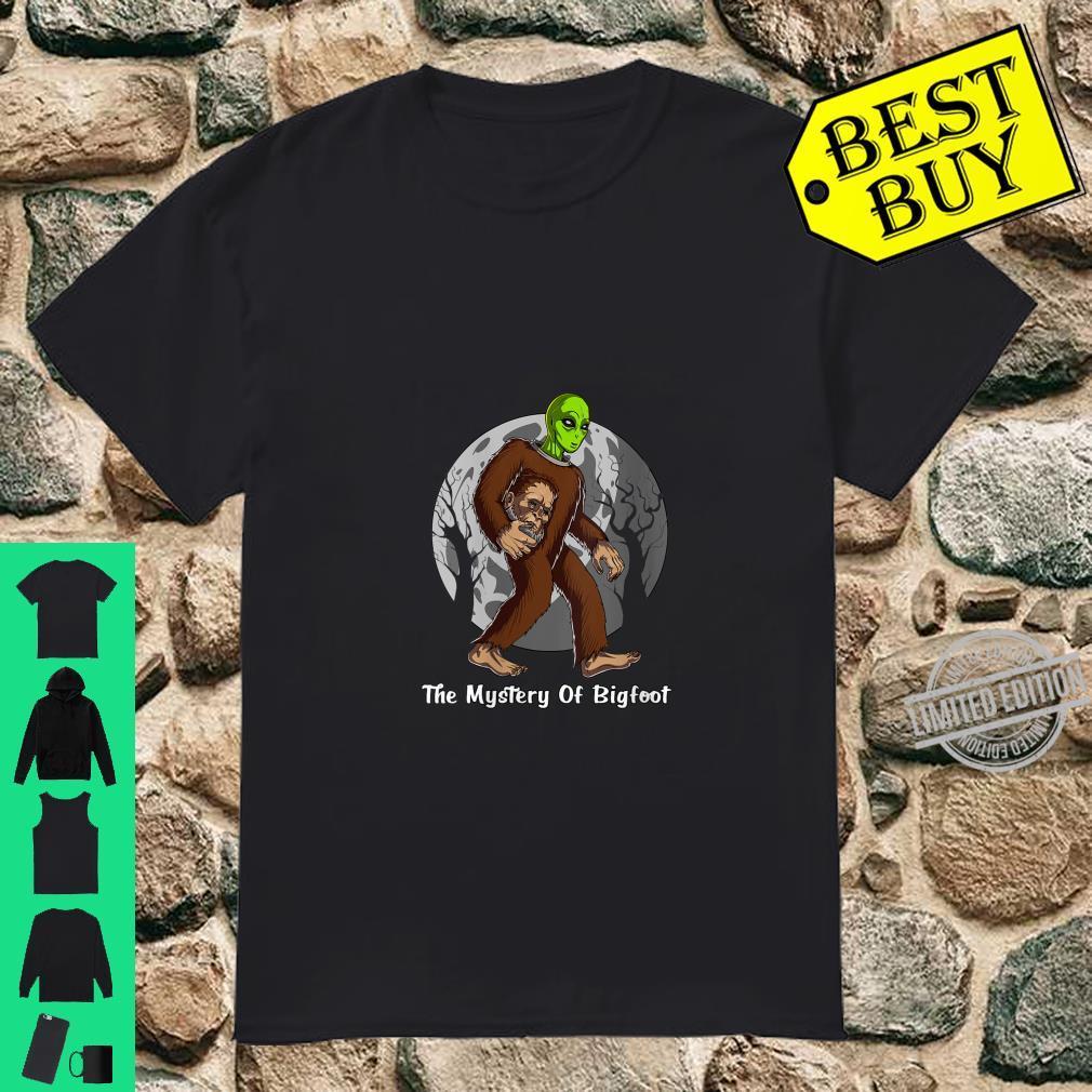 Womens Alien Bigfoot Mystery Solved Cryptozoology Cryptid UFO Shirt